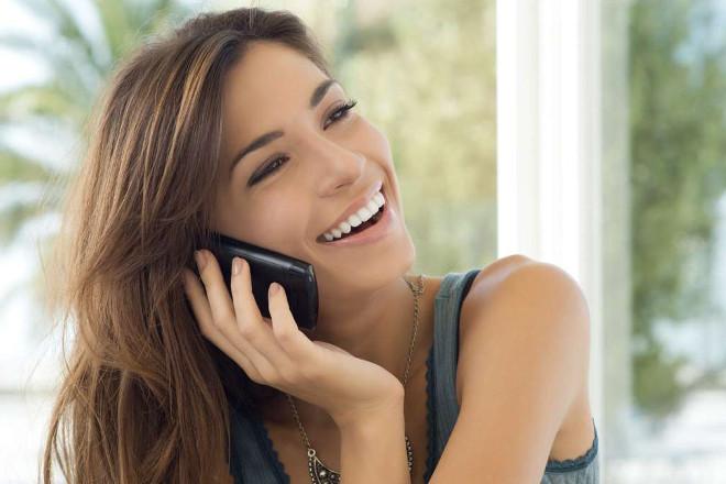 Секрети спілкування з дівчиною по телефону: про що поговорити
