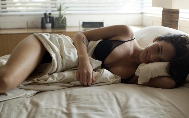 Еротичні побажання доброго ранку коханій дівчині
