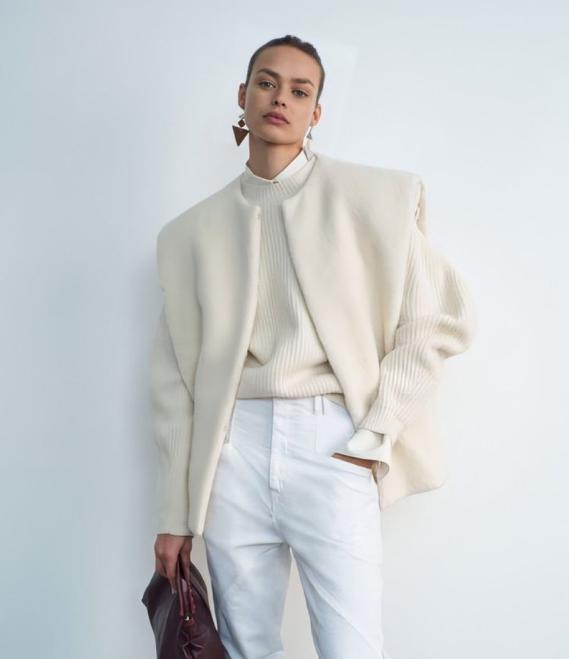 Французский бренд Isabel Marant (В коллекции fall-winter 20/21 в нейтральной цветовой палитре от магазина Cult)