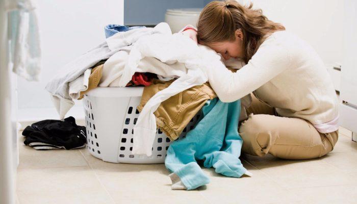 Удаление пятен на одежде с помощью хозяйственного мыла
