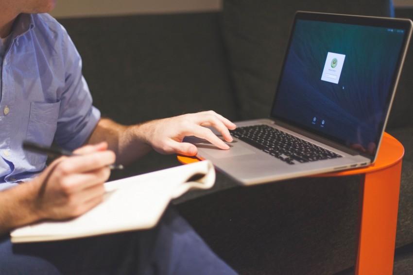 Ноутбук с качественным аккумулятором