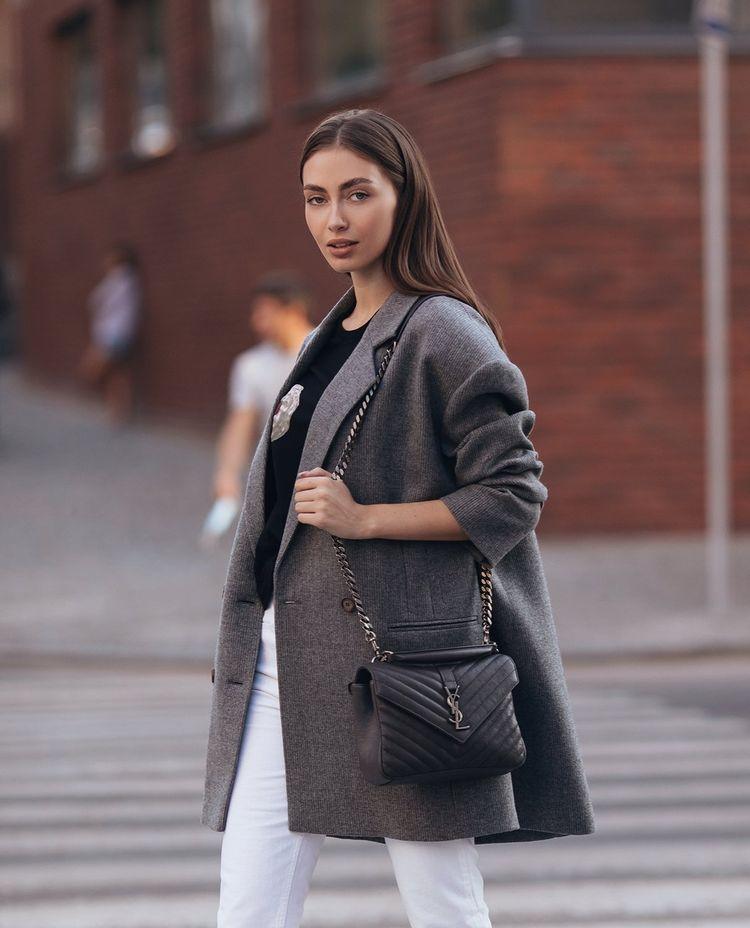Стильный деловой образ Брюки (Isabel Marant), футболка (Marc Jacobs) и оверсайз пиджак Magda Butrym