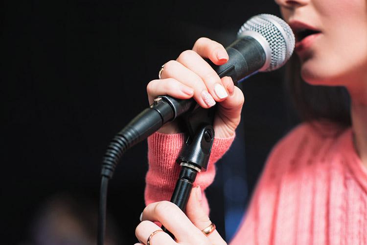 Уроки вокала в музыкальное школе для взрослых и детей