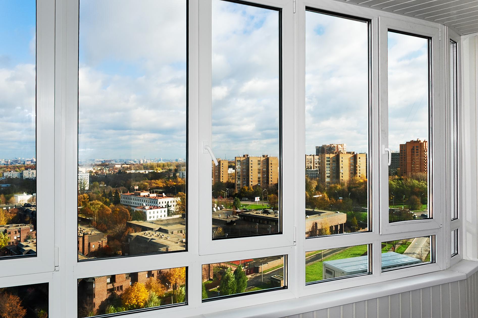 Пластиковые окна ПВХ с красивым видом на город