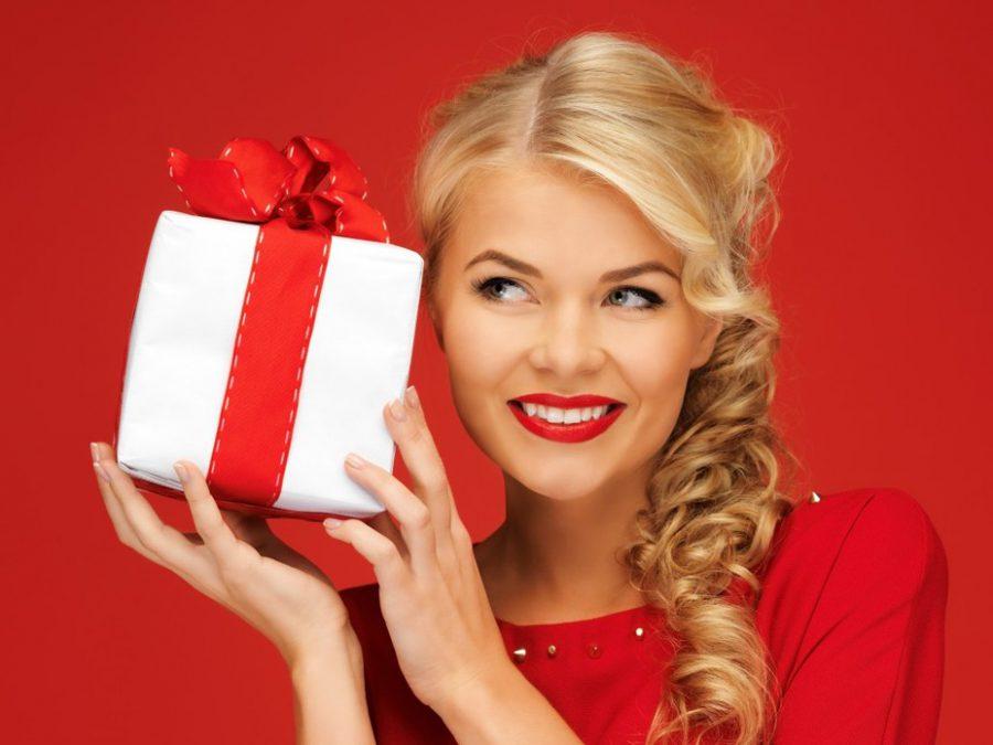 Незвичайні ідеї подарунків та сувенірів дівчині
