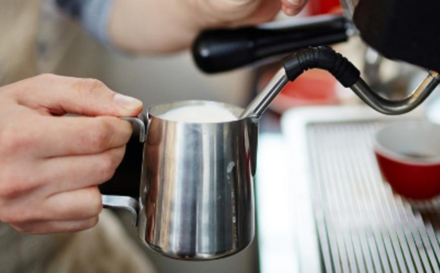 Кофемашина для дома с ручным капучинатором
