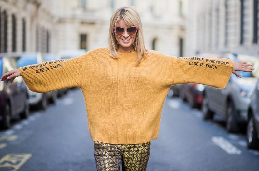 Светр жіночий: як вибрати, з чим носити і де купити