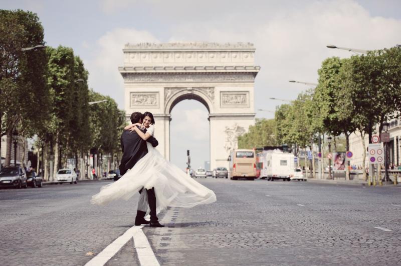 Виза жены во Францию: помощь адвоката